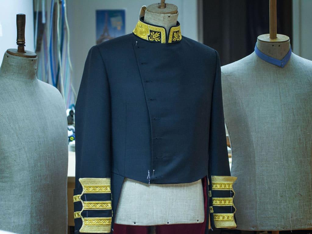Oblek na míru může být i uniforma
