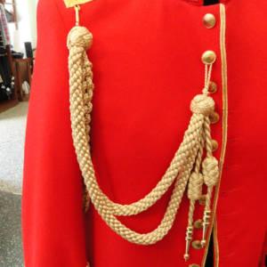 Slavnostní uniforma Rytířského řádu sv. Konstantina a Heleny.