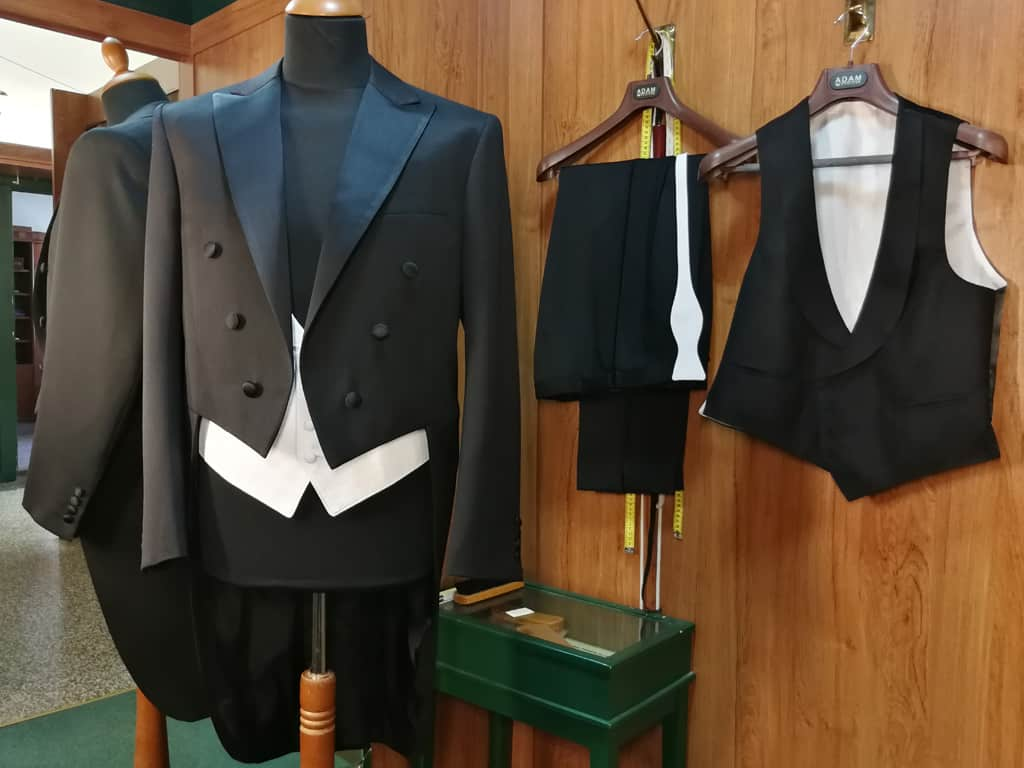 Nejslavnostnější pánský oblek - frak